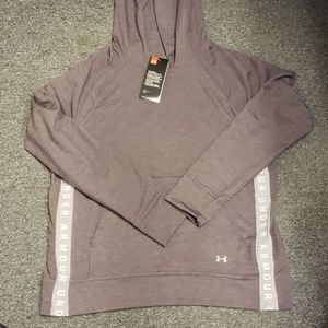 🌟 NWT Women's Under Armour hoodie size L